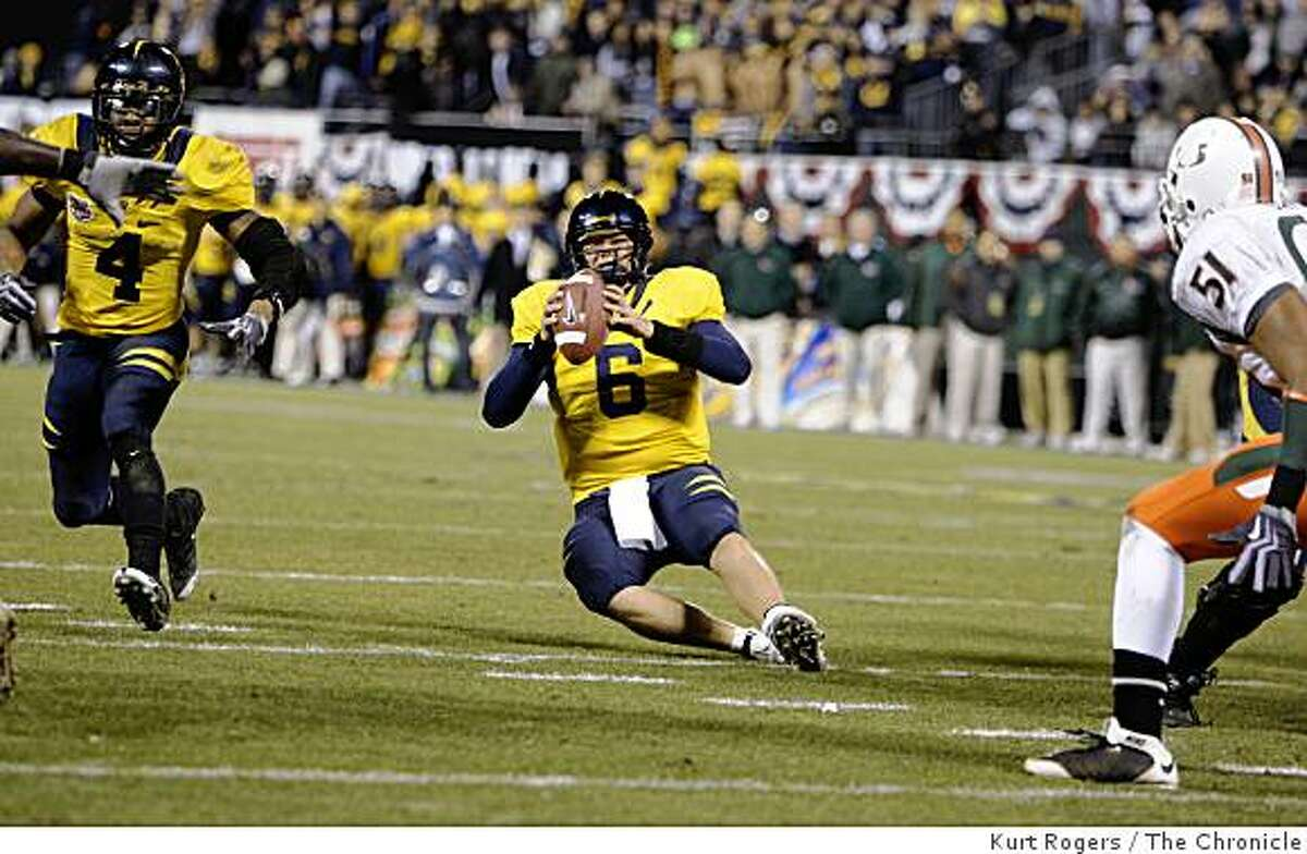 Cal's Nate Longshore falls down on 3rd down in the third quarter and forced cal to kick a field goal. on Saturday Dec 27, 2008 in San Francisco , Calif