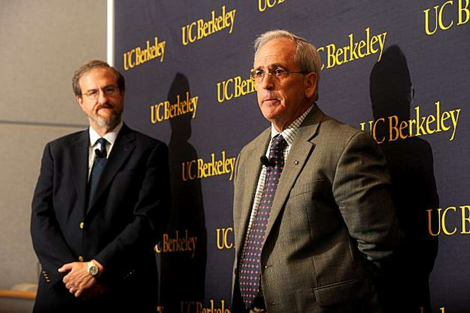 Professor Jasper Rine, a genetics professor at UC Berkeley, discusses the alteration of a genetic testing program on Thursday, Aug. 12, 2010, in Berkeley, Calif. Listening at left is Mark Schlissel, the campus' dean of biological sciences. Photo: Noah Berger, Special To The Chronicle