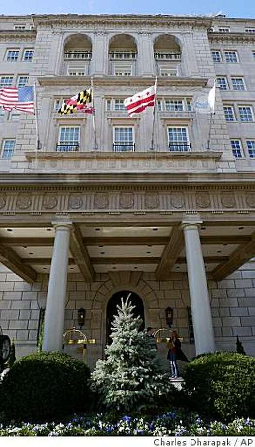 Excellent Obamas Go To Washington Hotel This Weekend Sfgate Download Free Architecture Designs Lukepmadebymaigaardcom