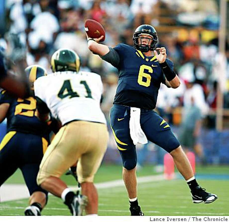 Quarterback Nate Longshore fires a TD pass in 3rd quarter action. California Golden Bears defeated the Colorado State Rams 42-7 September 27,  2008 in Berkeley Calif. Photo: Lance Iversen, The Chronicle