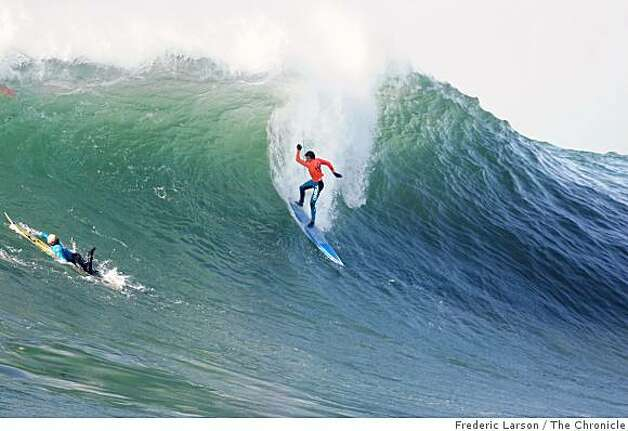 Surfer Greg Long wins the 2008 Mavericks contest mostly on his performance in the final round.Frederic Larson / The ChroniclePhoto taken on 1/12/08, in Half Moon Bay, CA, USA Photo: Frederic Larson, The Chronicle