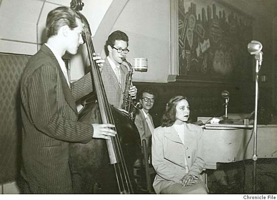 Lynne17.jpg photo taken in 1949 showing Frances Lynne with (l to r) bassist Norman Bates, alto saxophonist Paul Desmond and pianist Dave Brubeck. 949 - Obit photo of Frances Lynne. Dave Brubeck is on piano; Paul Desmind is on alto sax. Dave Brubeck on pianootographer Unknown/Chronicle File Photo: Photographer Unknown, Chronicle File