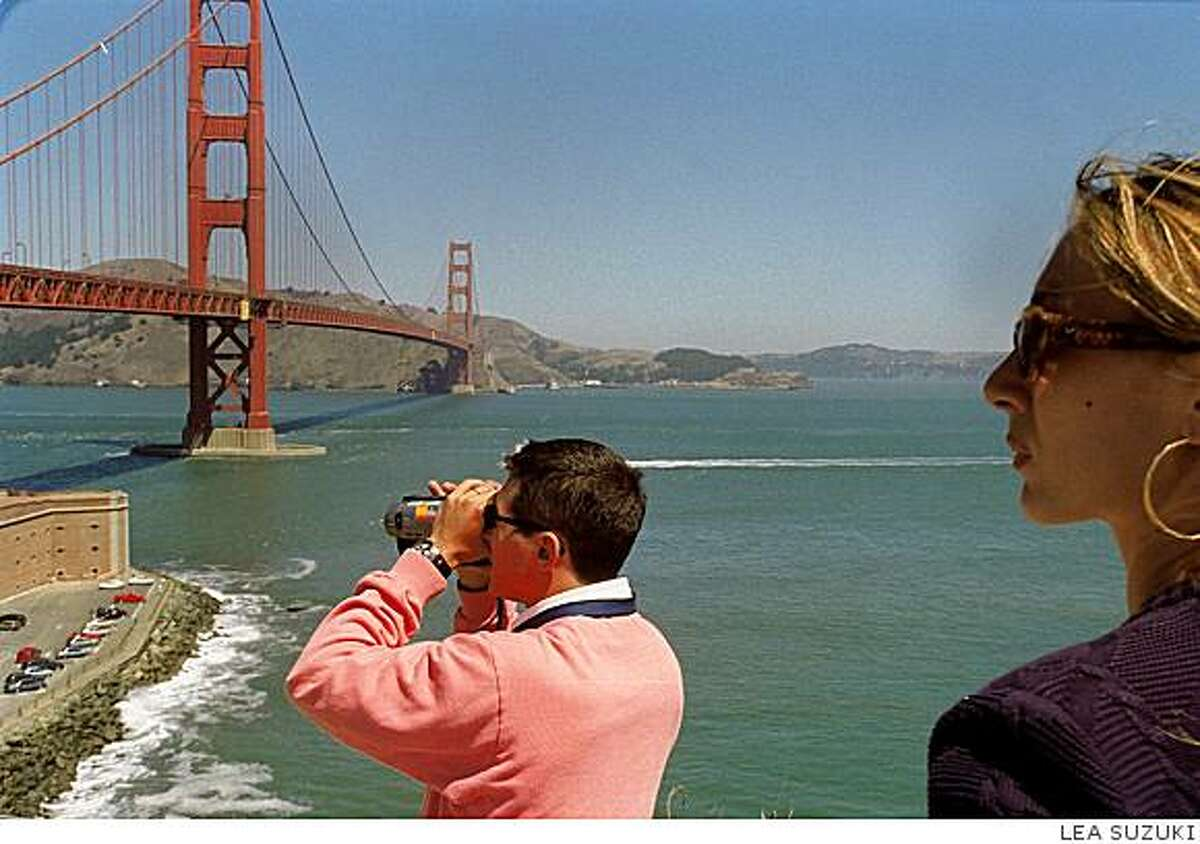 A UCLA forecast says San Francisco tourism is being undercut by the global recession and that foreign tourism to California will fall in the fourth quarter and should not be expected to come back until summer 2009.