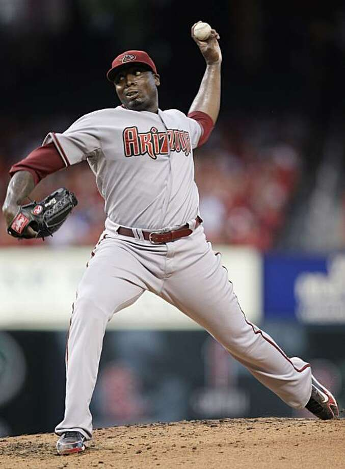 Arizona Diamondbacks starting pitcher Dontrelle Willis pitches in the third inning of a baseball game, Tuesday, June 29, 2010 in St. Louis. Photo: Tom Gannam, AP