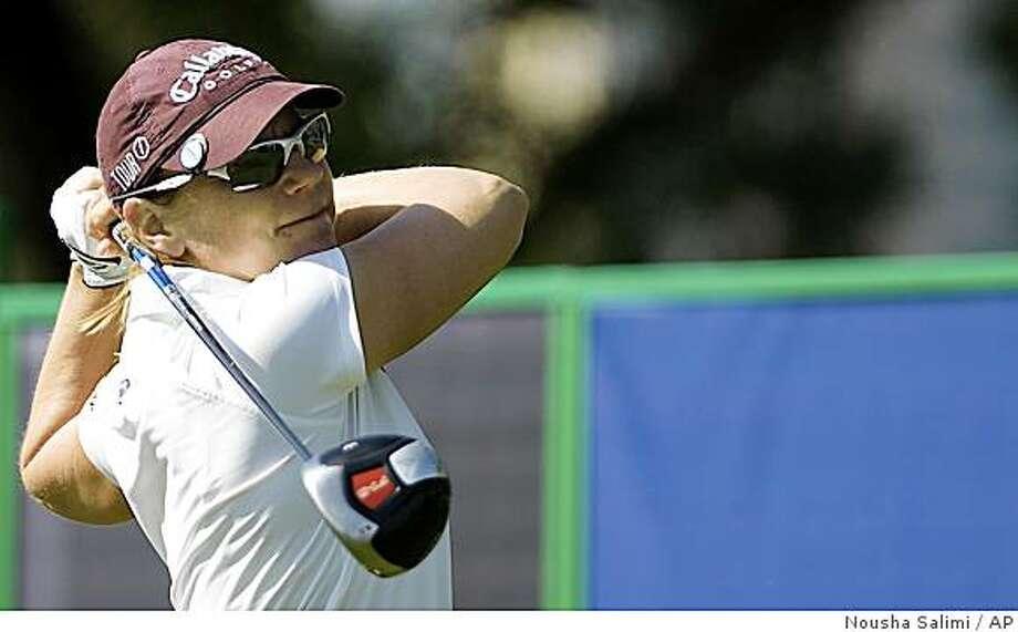 Annika Sorenstam of Sweden tees off on the first hole during the second round of the Dubai Ladies Masters golf tournament in Dubai, United Arab Emirates. Friday,Dec.12, 2008.(AP Photo/Nousha Salimi) Photo: Nousha Salimi, AP