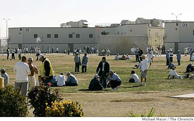 overcrowdedprisons_216_mac.jpg Prisoners take time in the exercise yard, inside Building- D area. Pleasant Valley State Prison in Coalinga, Ca., one the most overcrowed prisons in the State of California. the prison population reaching close to 225% of the capacity it was designed for some 10 years ago. Event in, Coalinga, Ca, on 12/5/06. Photo by: Michael Macor/ San Francisco Chronicle Photo: Michael Macor, The Chronicle