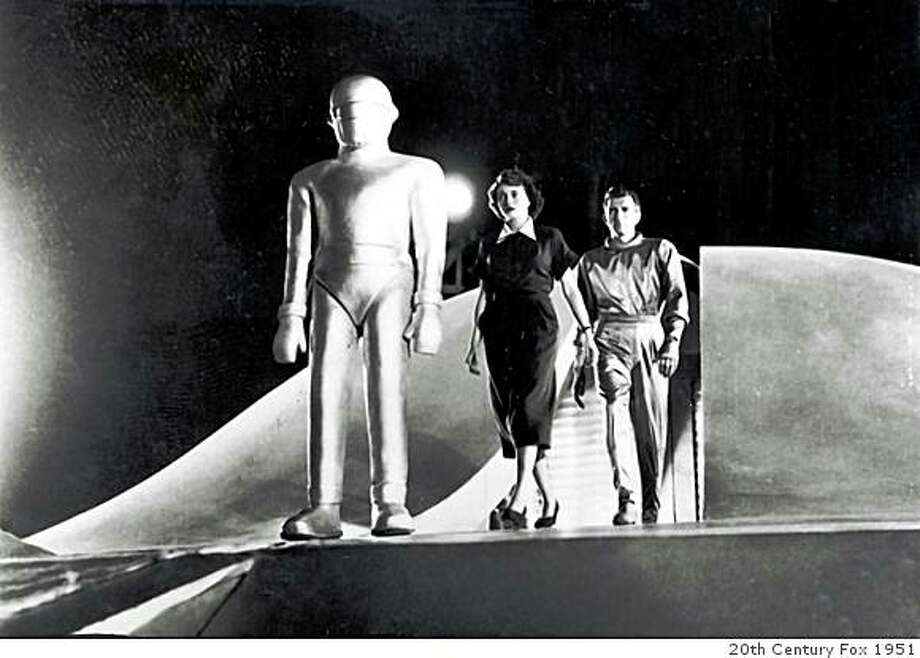 """""""The Day the Earth Stood Still"""" stars Michael Rennie and Patricia Neal Photo: 20th Century Fox 1951"""