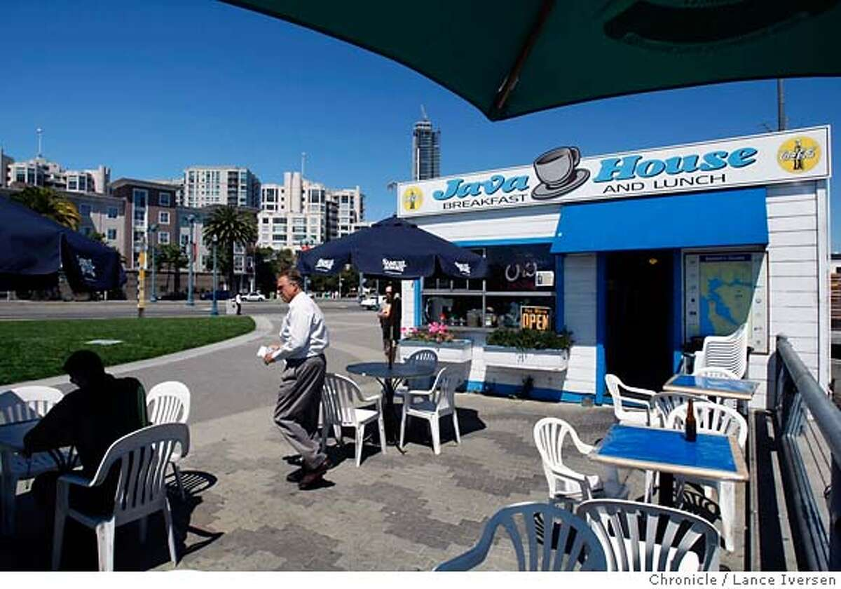 M&R_58837.JPG The San Francisco waterfront institution, Java House on the Embarcadero at Townsend is having rent problems that could force it's closer. August 14, 2007. Lance Iversen/The Chronicle (cq) SUBJECT 8/14/07,in SAN FRANCISCO. CA. MANDATORY CREDIT PHOTOG AND SAN FRANCISCO CHRONICLE/NO SALES MAGS OUT
