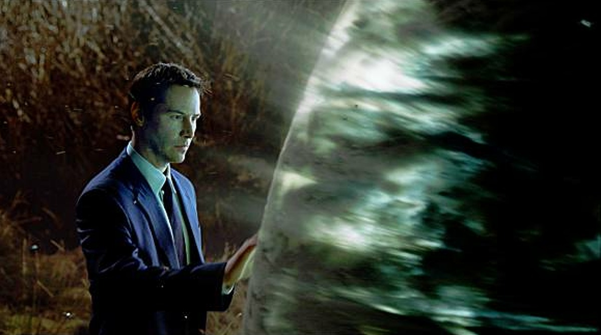 """Keanu Reeves as the alien Klaatu in """"The Day the Earth Stood Still"""" (2008)."""