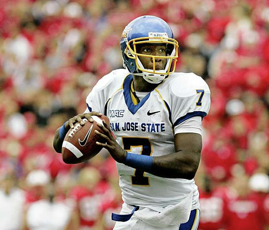 San Jose State quarterback Kyle Reed prepares to throw against Nebraska in the first half of an NCAA college football game, in Lincoln, Neb., Saturday, Sept. 6, 2008. Nebraska beat San Jose St. 35-12.(AP Photo/Nati Harnik) Photo: Nati Harnik, AP