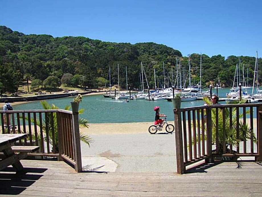 Site: Angel Island Location: Cove Caf? Photo: Stephanie Wright Hession