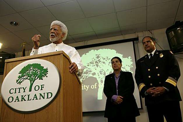 Mayor Dellums of Oakland, flanked by Councilmember Rebecca Kaplan (middle) and Fire Chief Gerald Simon, addresses members of the press following the verdict of Johannes Mehserle at the Emergency Operations Center on Thursday, July 8, 2010 in Oakland, Calif. Photo: John Sebastian Russo, The Chronicle