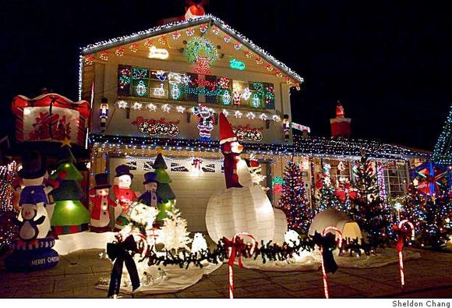 Christmas lights web site Photo: Sheldon Chang