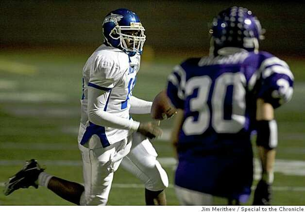 Encinal quarterback Jonathon Brown picks up some yardage on a keeper during first half action at Piedmont October 10, 2008. Photo: Jim Merithew, Special To The Chronicle