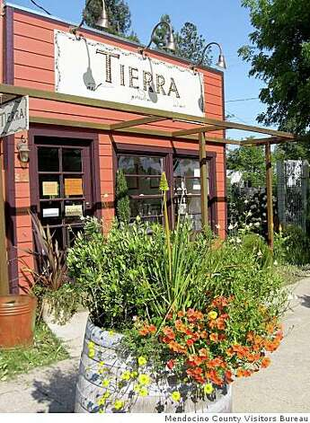 Tierra, a store that sells art, garden fixtures and local wine. Photo: Mendocino County Visitors Bureau