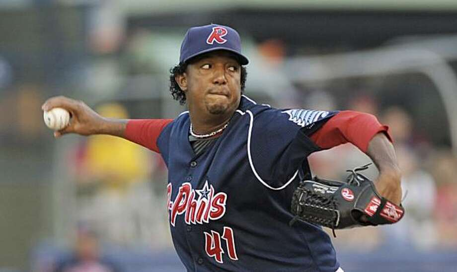Philadelphia Phillies pitcher Pedro Martinez throws on a rehab assignment with the Double-A Reading Phillies in the first inning of a baseball game against the Trenton Thunder, Wednesday, Aug. 5 2009, in Reading, Pa. (AP Photo/Bradley C. Bower) Photo: Bradley C. Bower, AP