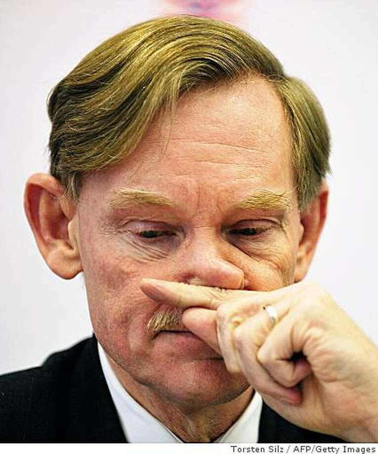 Head of the World Bank, Robert Zoellick scratches his nose during the 10th German World Bank Forum conference in Frankfurt/Main, western Germany on November 20, 2008. The conference will also we attended by German Chancellor Angela Merkel and Bundesbank chief Axel Weber.    AFP PHOTO   DDP/ TORSTEN SILZ   GERMANY OUT (Photo credit should read TORSTEN SILZ/AFP/Getty Images) Photo: Torsten Silz, AFP/Getty Images
