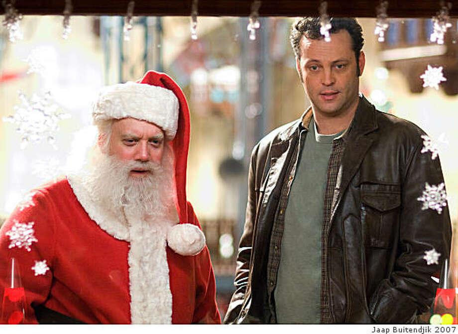 "PAUL GIAMATTI stars as Nick ""Santa"" Claus and VINCE VAUGHN stars as Fred Claus in Warner Bros. Pictures holiday comedy ""Fred Claus."" Photo: Jaap Buitendjik 2007, Jaap Buitendjik"