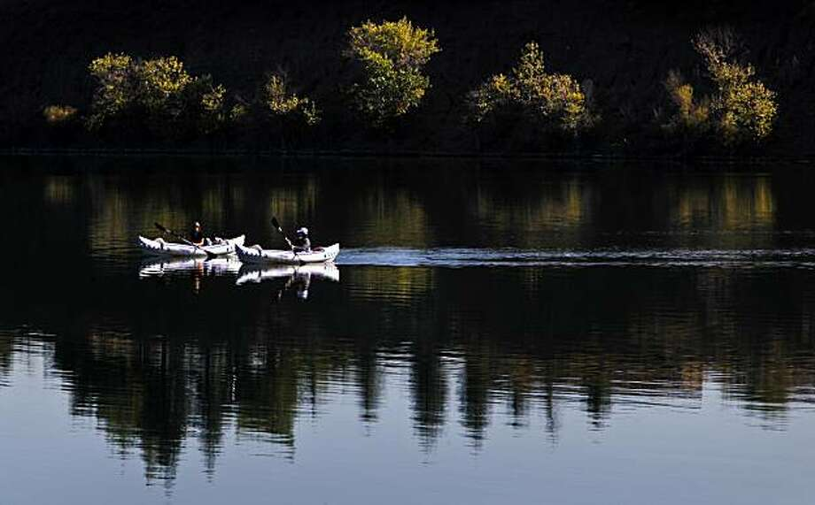 Christina Craft, (left) and Susan Harman of Pleasanton, kayak the still waters of Shadow Cliffs Regional Park in Pleasanton, Calif on Friday October 2, 2009. Photo: Michael Macor, The Chronicle