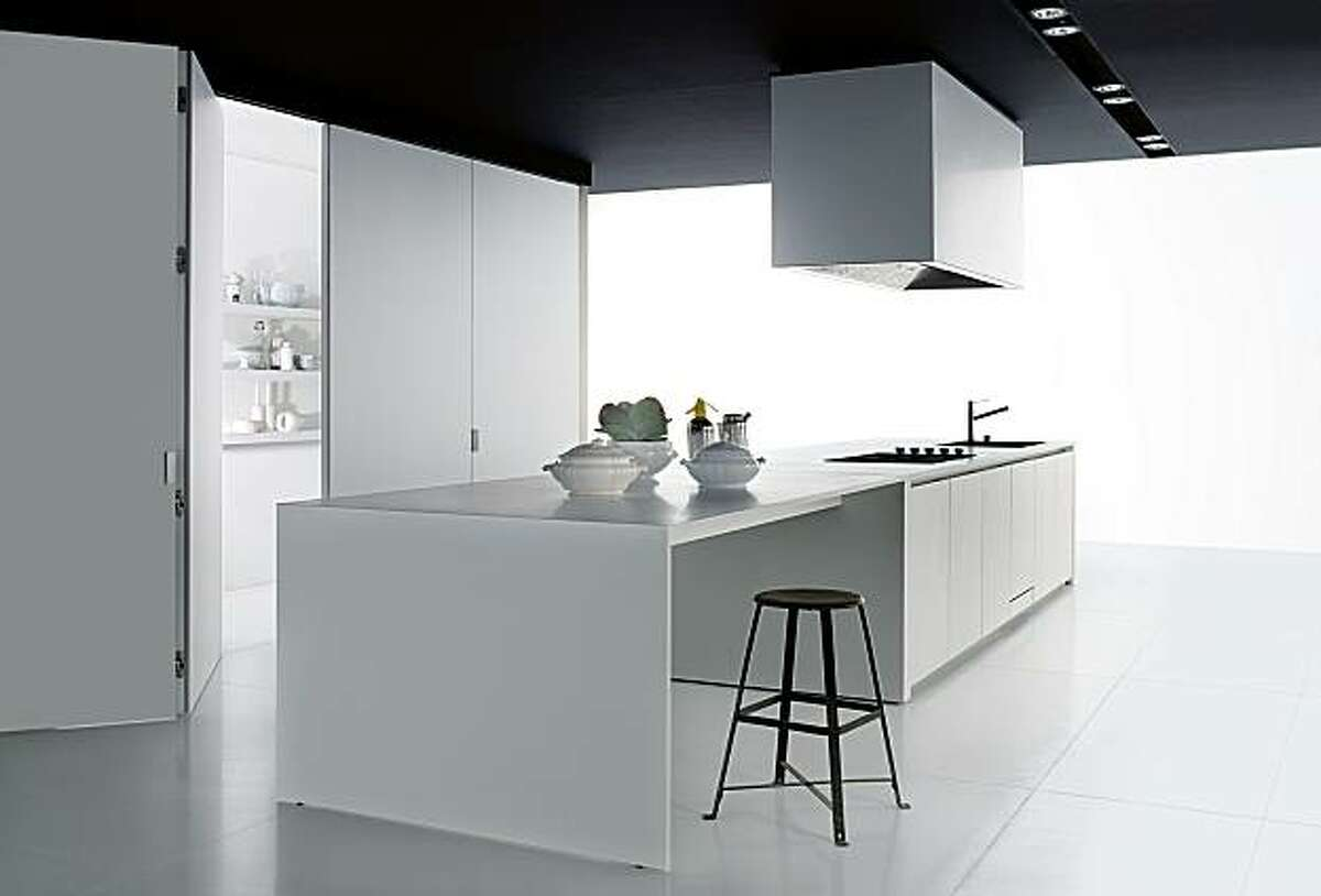 Boffi kitchen case systems are modular for a variety of custom congurations.