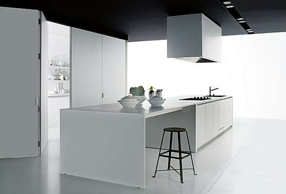 Boffi kitchen case systems are modular for a variety of custom congurations. Photo: Boffi