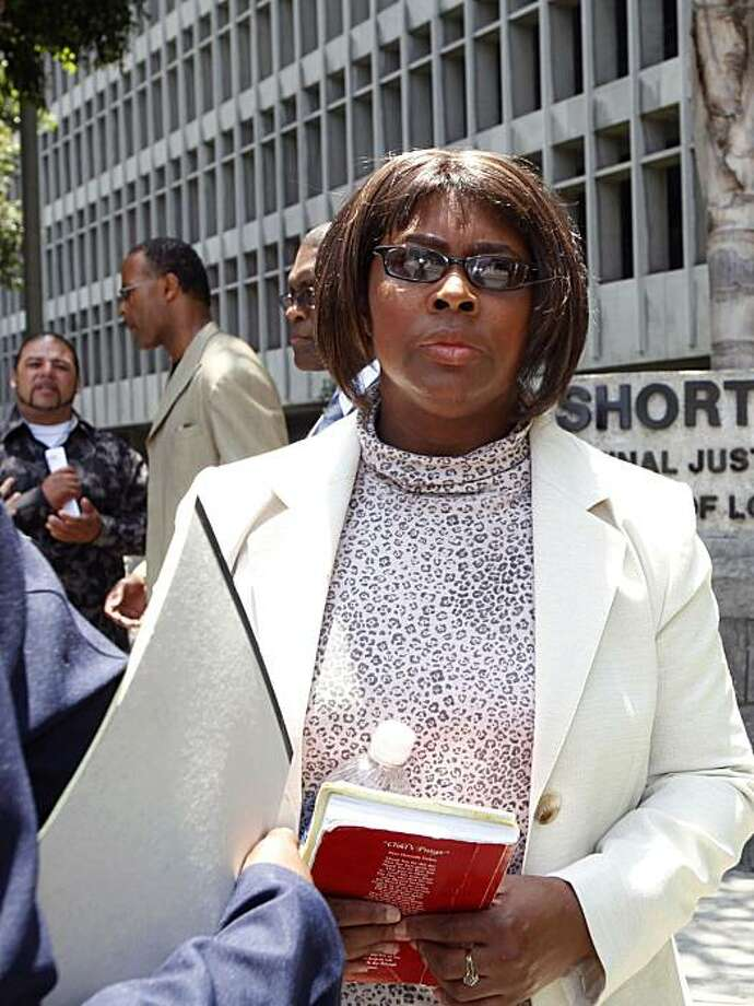 Wanda Johnson, the mother of Oscar Grant who was fatally shot in the back in Oakland, Calif.,  by former Bay Area Rapid Transit police officer Johannes Mehserle, appears outside a Los Angeles courthouse Friday, June 25, 2010, where Mehserle's trial is being heard. Photo: Nick Ut, AP