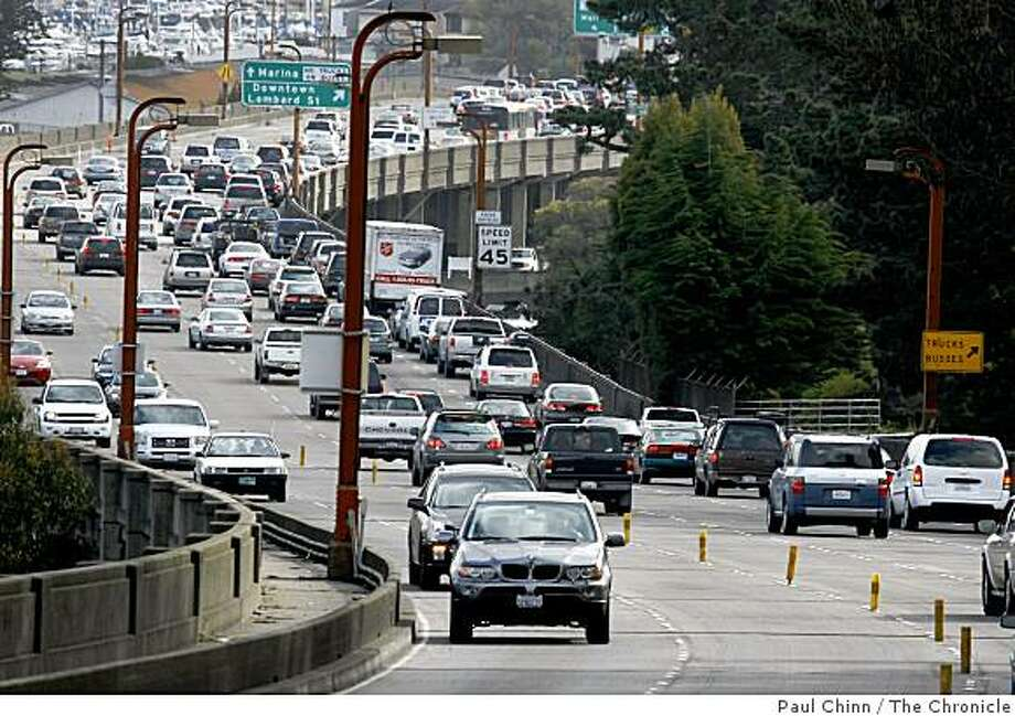 The morning commute clogs the southbound lanes of Doyle Drive, the elevated portion of Highway 101 stretching from the Golden Gate Bridge to Lombard Street, in San Francisco, Calif. on 3/15/06 Photo: Paul Chinn, The Chronicle