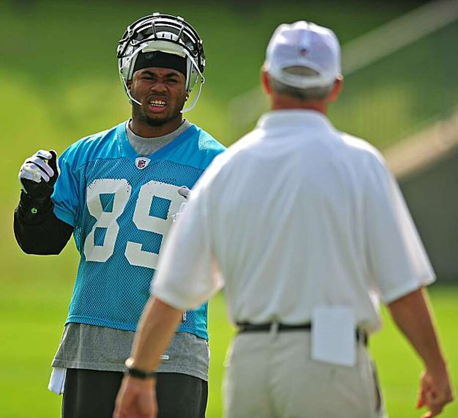 Carolina Panthers wide receiver Steve Smith talks with head coach John Fox during practice in Charlotte, North Carolina, Wednesday, June 2, 2010. (Jeff Siner/Charlotte Observer/MCT) Photo: Jeff Siner, MCT