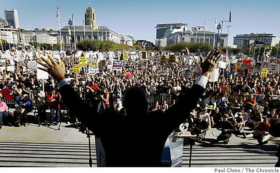 "The Rev. Amos Brown ignited a crowd of thousands with a fiery speech at a City Hall rally denouncing the passage of Prop. 8 in San Francisco, Calif., on Saturday, Nov. 15, 2008. ""I am a Baptist but I am not a bigot,"" the former San Francisco supervisor proclaimed. Photo: Paul Chinn, The Chronicle"