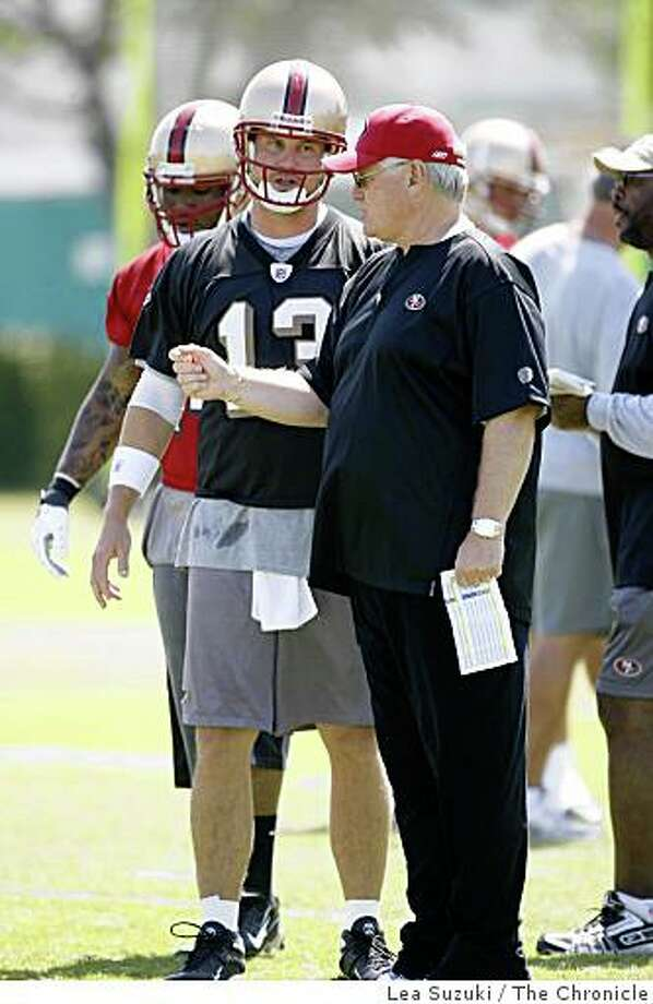 Offensive Coordinator Mike Martz (right) works with Quarterback Shaun Hill (left) in Santa Clara on Monday, June 2 2008 on the first day of Organized Team Activity.Photo By Lea Suzuki/ The Chronicle Photo: Lea Suzuki, The Chronicle