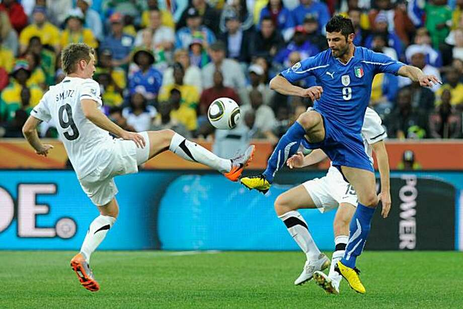 NELSPRUIT, SOUTH AFRICA - JUNE 20:  Shane Smeltz of New Zealand and Vincenzo Iaquinta of Italy challenge for the ball during the 2010 FIFA World Cup South Africa Group F match between Italy and New Zealand at the Mbombela Stadium on June 20, 2010 in Nelspruit, South Africa. Photo: Claudio Villa/ Grazia Neri, Getty Images