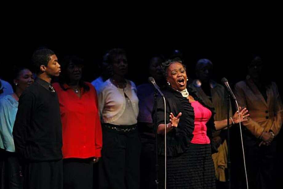 Merkell L. Williams, left, and Clara McDaniel, right, perform with The Lorraine Hansberry Theatre Black Nativity Choir during an event celebrating the life and work of Quentin Easter, founding executive director of the theatre who passed away recently.The theater community came together at the Yerba Buena Center for the Arts in San Francisco, Calif., on Monday, June 14, 2010, to honor Easter's contribution to the arts. Photo: Carlos Avila Gonzalez, The Chronicle