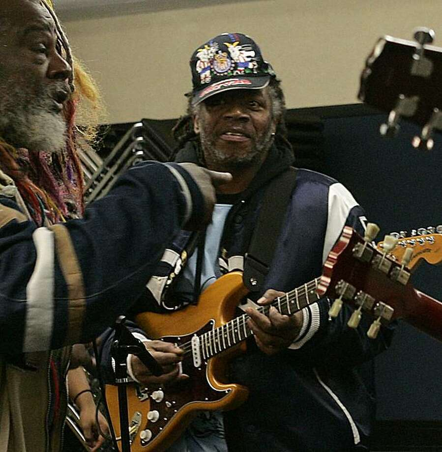 In this Thursday, March 2, 2006 photo, Parliament-Funkadelic guitarist Garry Shider, jams with funk legend George Clinton, left, and students from the P-Funk Ensemble at Berklee College of Music in Boston. Shider, whose work earned him a spot in the Rockand Roll Hall of Fame, died Wednesday, June 16, 2010. He was 56. Photo: Elise Amendola, AP