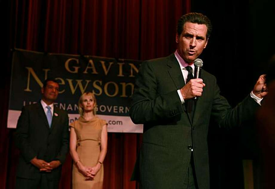 Mayor Gavin Newsom with Jennifer Siebel Newsom and Sen. Alex Padilla at Yoshi's in San Francisco on Tuesday. Photo: Liz Hafalia, The Chronicle