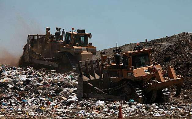 Landfills With Tractors : Long landfill dispute finally faces key hurdle sfgate