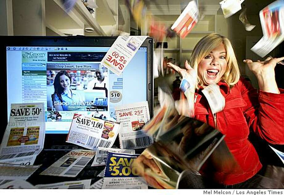 "COUPON QUEEN: Grocery Game's Teri Gault has taken coupon clipping to new heights. ""I love a bargain,"" she says. Illustrates COUPON-QUEEN (category l) by Rene Lynch (c) 2008, Los Angeles Times. Moved Friday, Oct. 31, 2008. (MUST CREDIT: Los Angeles Times photo by Mel Melcon.) Grocery Game's Teri Gault has taken coupon clipping to new heights. ""I love a bargain,"" she says. Illustrates COUPON-QUEEN (category l) by Rene Lynch (c) 2008, Los Angeles Times. Moved Friday, Oct. 31, 2008. (MUST CREDIT: Los Angeles Times photo by Mel Melcon.) Photo: Mel Melcon, Los Angeles Times"