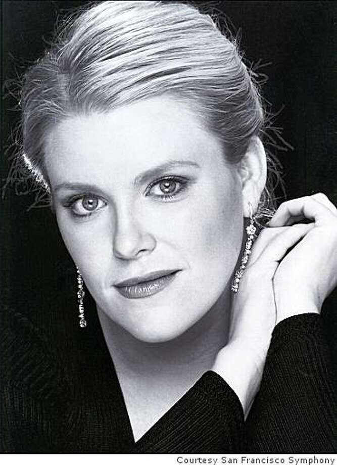 Soprano Erin Wall Photo: Courtesy San Francisco Symphony