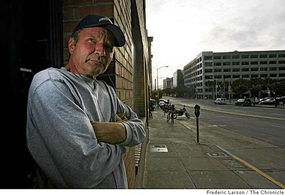 James Holmes a homeless veteran of the Army hangs out on Harrison Street near 3rd Street in San Francisco in search for shelter on Monday, November 10, 2008. Photo: Frederic Larson, The Chronicle
