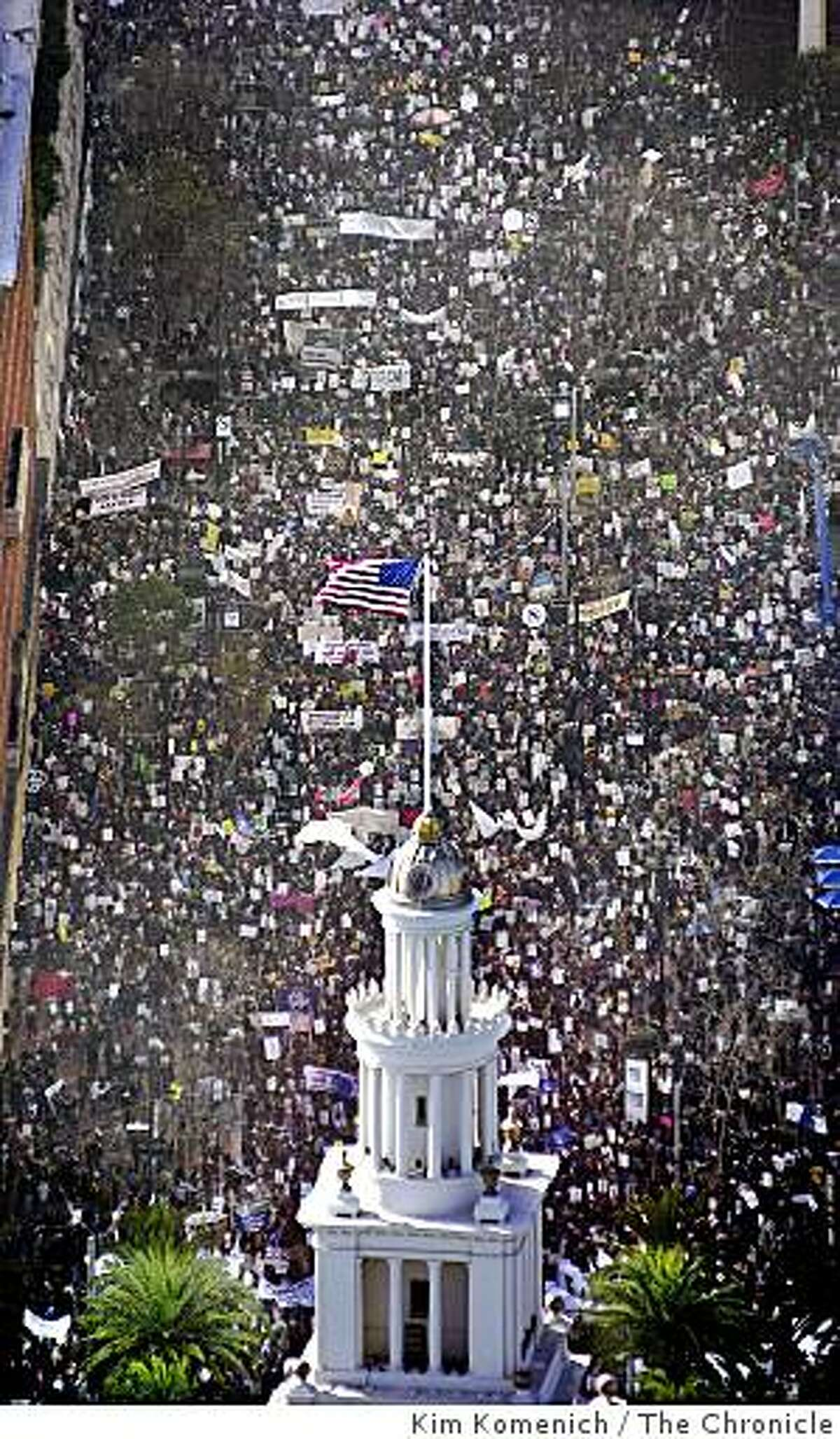 Aerial photos of tens of thousands of anti-war demonstrators as they march from Justin Herman Plaza to the S.F. Civic Center to protest the U.S. policy on Iraq (and a few other things).
