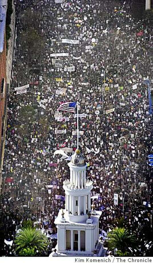 Aerial photos of tens of thousands of anti-war demonstrators as they march from Justin Herman Plaza to the S.F. Civic Center to protest the U.S. policy on Iraq (and a few other things). Photo: Kim Komenich, The Chronicle
