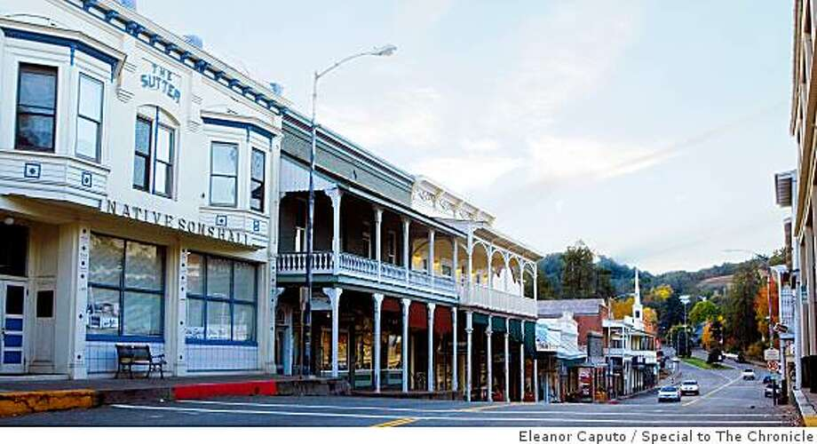 """Sutter Creek's Main Street, which Sunset Magazine calls """"quote possibly the prettiest Main Street you've ever seen."""" Photo: Eleanor Caputo, Special To The Chronicle"""