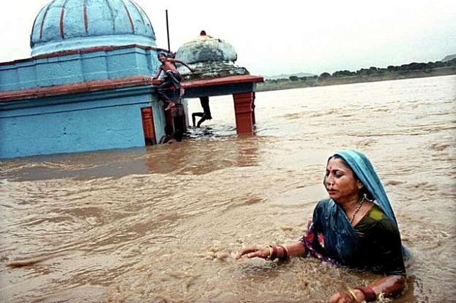 Khoteswa, Narmada River, India, 1999 by Karen Robinson Photo: Karen Robinson