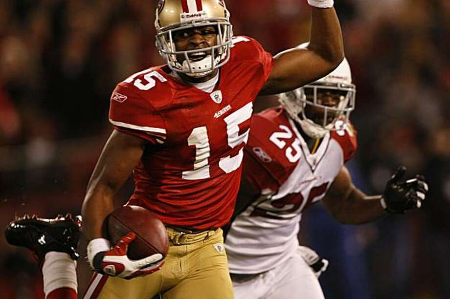 The San Francisco 49ers' Michael Crabtree scores in the first half against the Arizona Cardinals on Monday in San Francisco. Photo: Lacy Atkins, The Chronicle