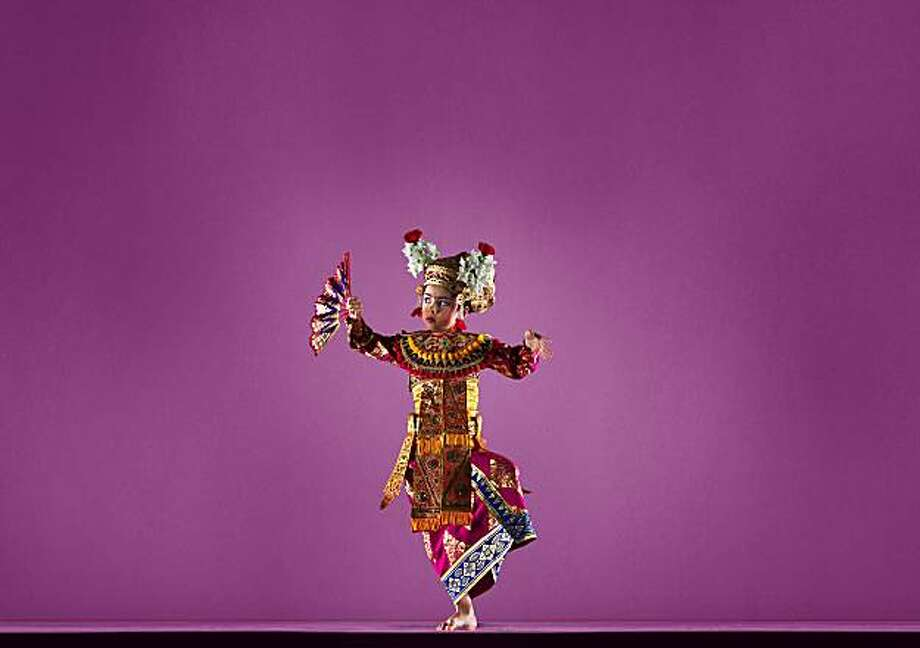 Chandra Ayu Davies danced this weekend (June 4-June6 )  at the Ethnic dance Festival Photo: RJ Muna