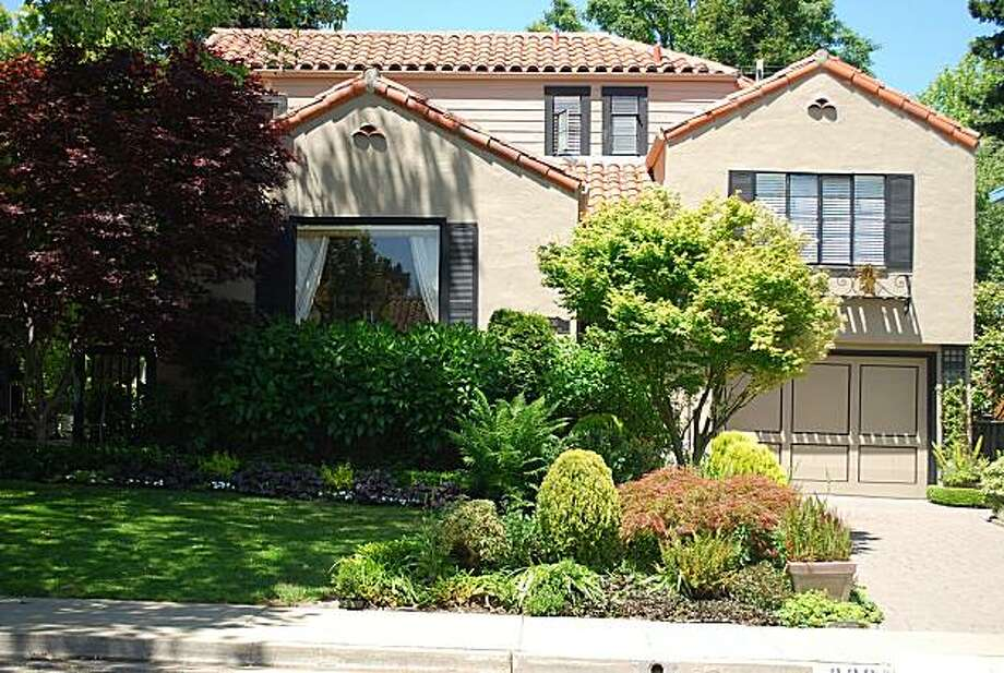 330 Seville Way for featured open homes Photo: Courtesy Bobbi Maniscalco, Coldwell Banker