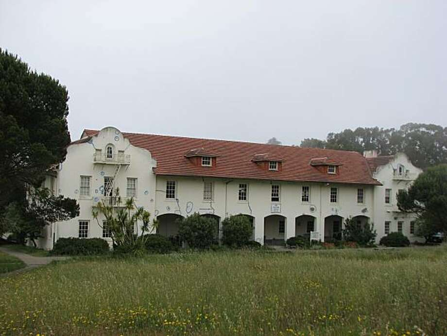 Building 1216 at Fort Scott in the Presidio, like others there, is sitting empty or little used, and awaiting repairs, while Presidio Trust planners try to figure out a long-term role for the facility Photo: John King, The Chronicle
