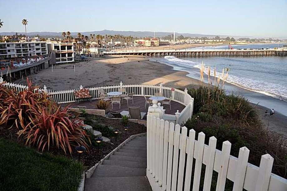 The Sea & Sand Inn, Santa Cruz Photo: Christine Delsol