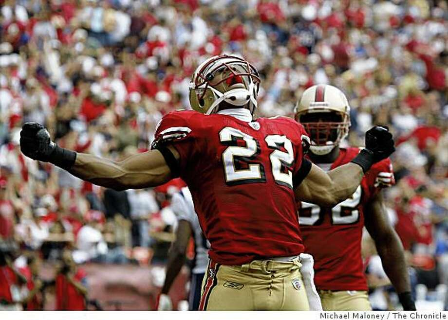 San Francisco 49ers Nate Clements (22) celebrates a hit against the New England Patriots in the 2nd quarter during a NFL game at Candlestick Park in San Francisco, Calif., on October 5, 2008. Photo: Michael Maloney, The Chronicle