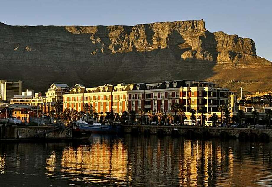 3000 Ft High Table Mountain Provides A Stunning Backdrop For Cape Town South Africas