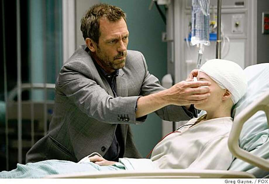 """HOUSE: House (Hugh Laurie, L) and the team investigate a string of deaths where the victims all received organ donations from the same person in the HOUSE episode """"Not Cancer"""" airing Tuesday, Sept. 23 (8:00-9:00 PM ET/PT) on FOX. Also pictured: Felicia Day (R).HOUSE:  House (Hugh Laurie, L) and the team investigate a string of deaths where the victims all received organ donations from the same person in the HOUSE episode """"Not Cancer"""" airing Tuesday, Sept. 23 (8:00-9:00 PM ET/PT) on FOX.  Also pictured:  Felicia Day (R).  ©2008 Fox Broadcasting Co.  Cr:  Greg Gayne/FOX Photo: Greg Gayne,, FOX"""